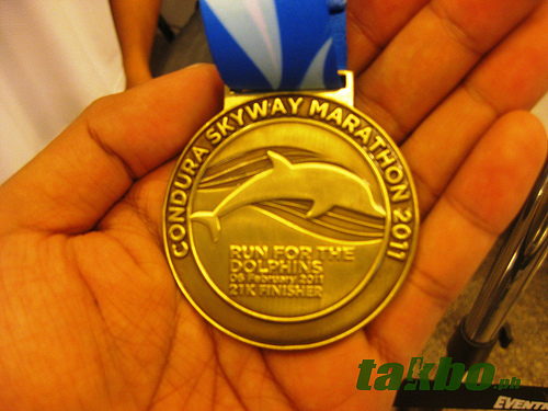 condura_marathon_2011_21k_medal