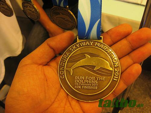 condura_marathon_2011_42k_medal