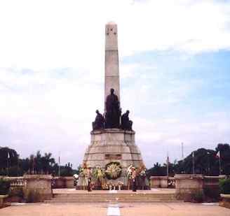 rizal_monument_luneta