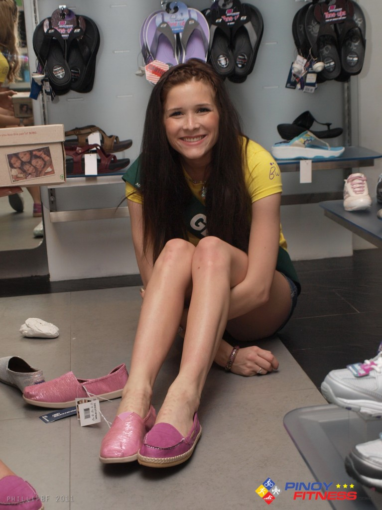 skechers + miss earth 2011 - 3