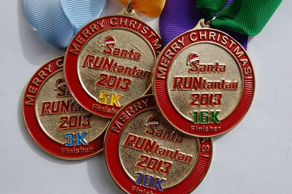 santa-run-2013-medal
