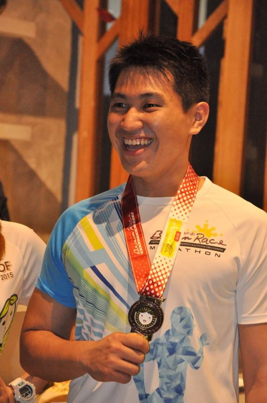 AffiniTea-Brown-Race-Marathon-Finishers-Shirt-Medal
