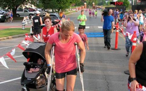 leahs-record-5k-crutches-photo
