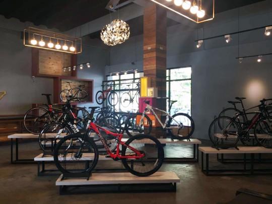 Maximus-Cafe-Bike-Shop-17