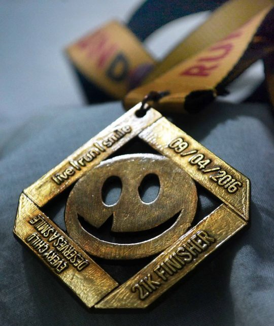Live-Run-Smile-medal-2016