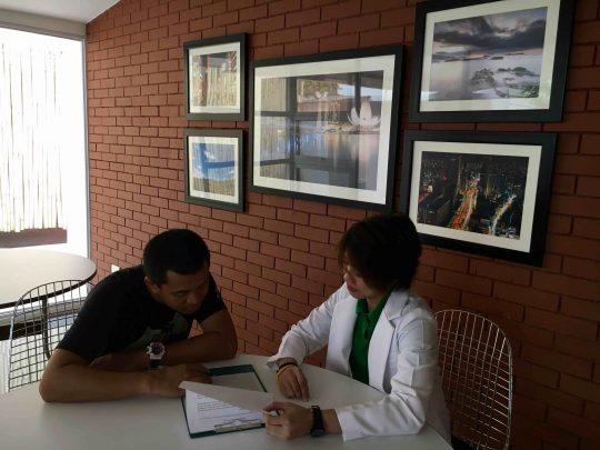Photo 1 Pre treatment consultation